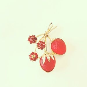 Vintage Jewelry/Sarah Coventry Strawberry Brooch
